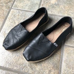 TOMS Classic Leather Espadrille slip-on. New